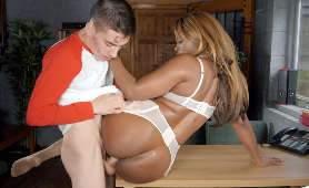 Sex Online - Jasmine Webb, Biało Czarna Para