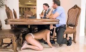 Sex Filmiku - Sofi Ryan, Ubrany Meżczyzna I Rozebrana Kobieta