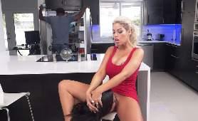 Seks Film Online - Bridgette B, Vienna Black, W Kuchni