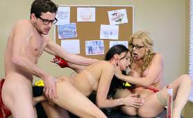 Pornol Darmowy - Alexis Fawx, Ariana Marie, 2 Kobiety 1 Meżczyzna