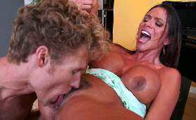 Filmy Porno Za Darmo Na Telefon - Ariella Ferrera, Fryzura Na Cipce