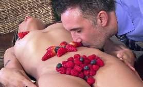 Filny Porno - Kaylani Lei, Na Stole